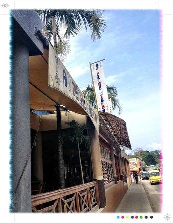 Au Peche Mignon, Port Vila