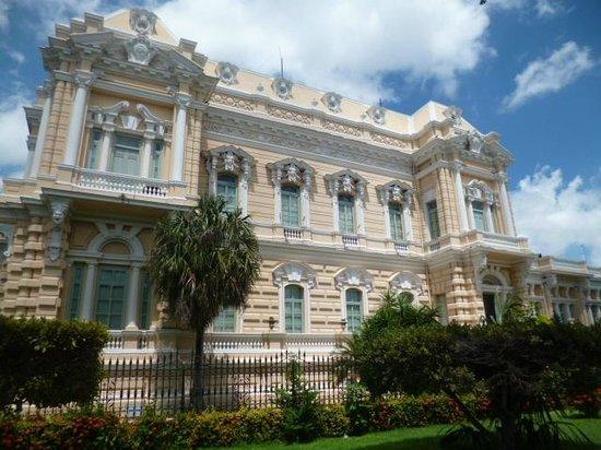 Palacio Canton: fachada