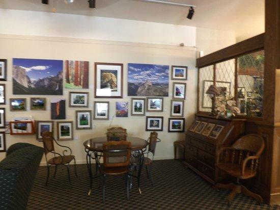 Yosemite View Lodge: Área comum