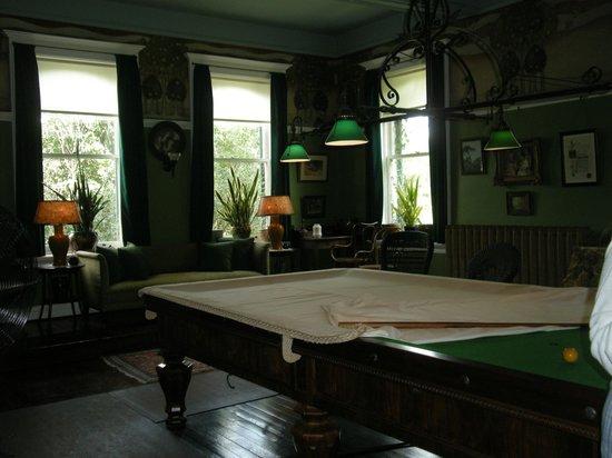 Spadina Museum: The billiard room