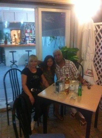 Mar Y Sol: Mihaela,Meriam,Charif
