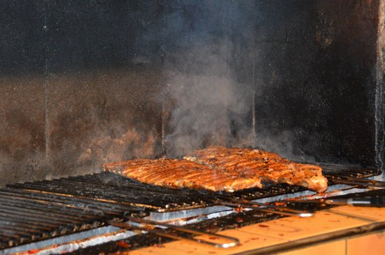 Rusticana: Ribs in action!