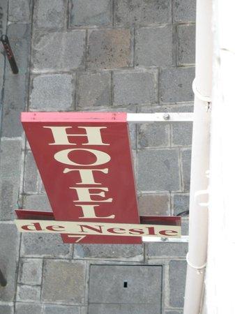 Hotel de Nesle : sign