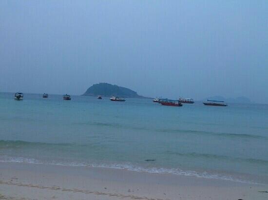 Sari Pacifica Hotel, Resort & Spa - Redang Island: areal beach