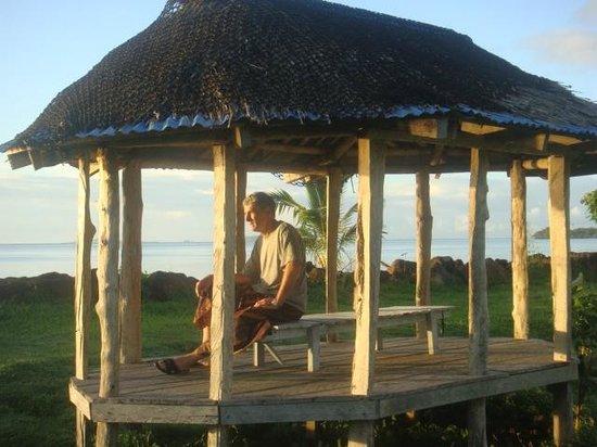 The Savaiian Hotel: Beach side resting fala
