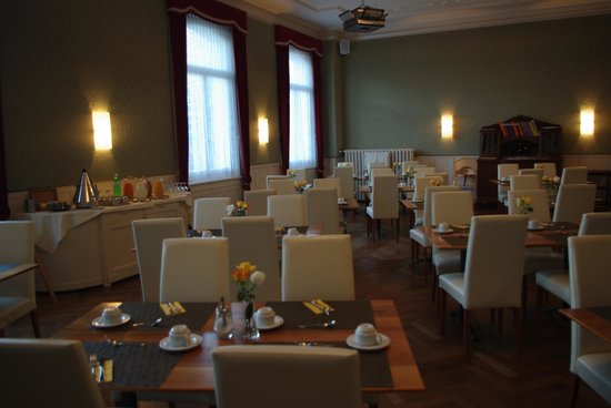 Hotel Bellevue : breakfast room