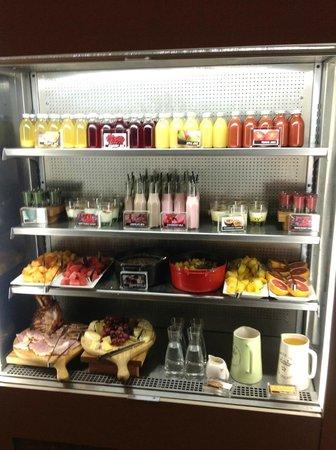 Rydges Wellington: Part of the buffet breakfast