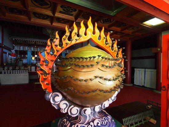 Keihin Fushimi Inari Shrine: 本殿の入り口