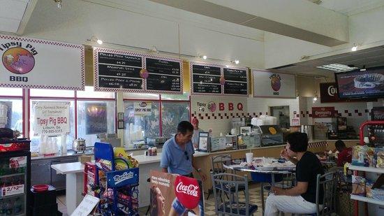 Tipsy Pig BBQ: The menu board and counter