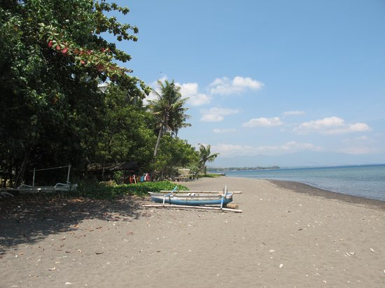 Bali Paradise Hotel Boutique Resort: Bali_Lvina beach