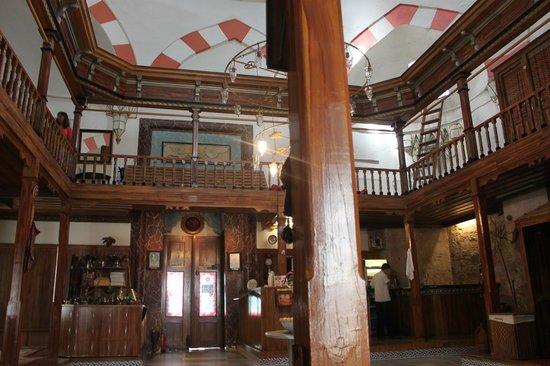 Suleymaniye Hamam : Locker rooms are upstairs.