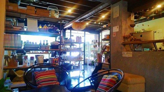 Samui Health Shop by Lamphu : Relaxing Area