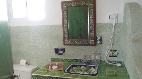 Koox Matan Ka'an Hotel: El espejo muy artesanal