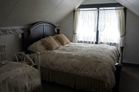 Kelly & King House Bed & Breakfasts: Kelly House upstairs bedroom