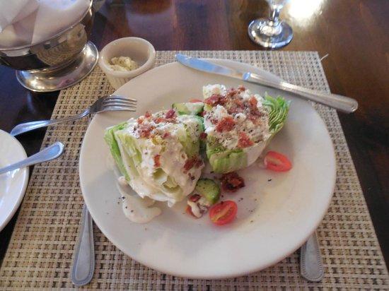 The Island Inn: Iceberg Wedge Salad in the restaurant at the Inn.