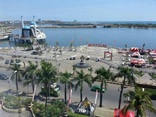 Aryaduta Makassar: Indahnya pemandangan di Pantai Losari