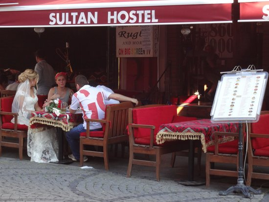 Sultan Hostel: Sultan restaurant and cafe, We loved it.
