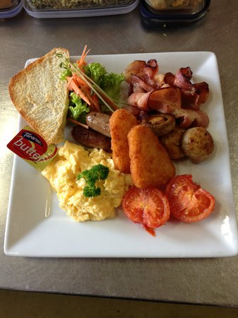 Cafe Ambience: All day Breakfast