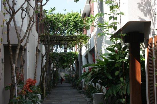 Danoya Villa - Private Luxury Residences: Looking from the entrance towards the villas