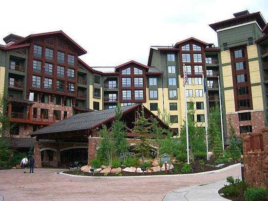 Grand Summit Hotel: 正面玄関