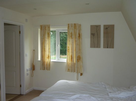 Lakeview Country Club: @nd bedroom with en suite