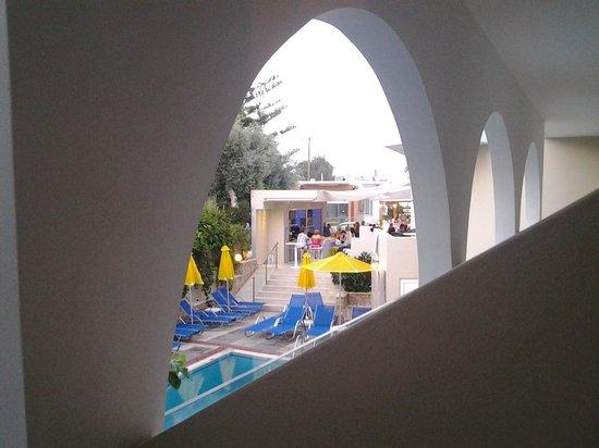 Dimitrios Beach Hotel: uitzicht balkon