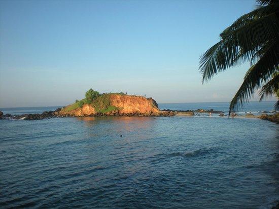 Summer Breeze Guest House: plage