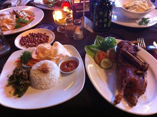 Rib Restaurant : Bebek Goreng