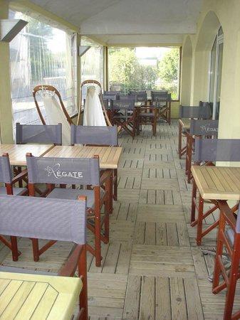 Les Sables Blancs : terrasse couverte