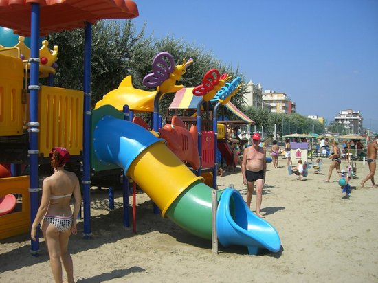 Hotel Mirage: ottime attrezzature per bambini in spiaggia