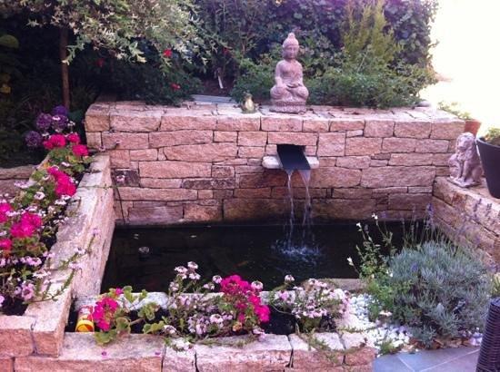 Hotel Le Trianon: la fontaine aux poissons