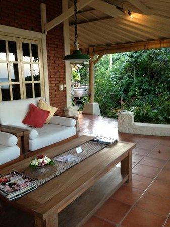 Pondok Bukit Bungalows : Loungearea