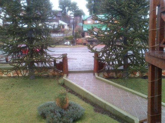 Bungalows Solar de las Araucarias: front of the lodge