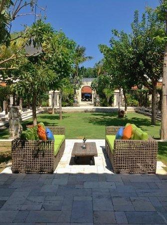 Sudamala Suites & Villas: main entrance