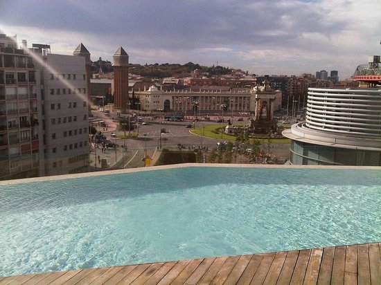 B-Hotel: Nice pool on the roof