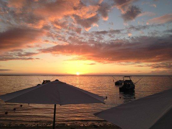 Gold Beach Resort: Vue gratuite tous les soirs depuis la place ou la piscine