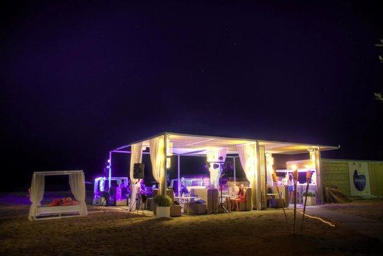 Kalima Beach Club : Beachclub by night