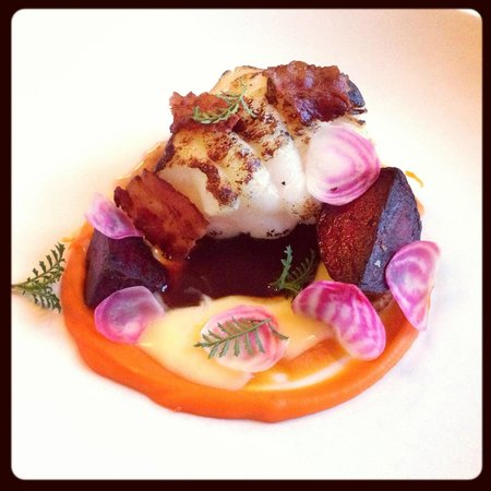 Fiskekrogen : Roasted monkfish served with sweet potatoes, fennel, bacon and chicken broth