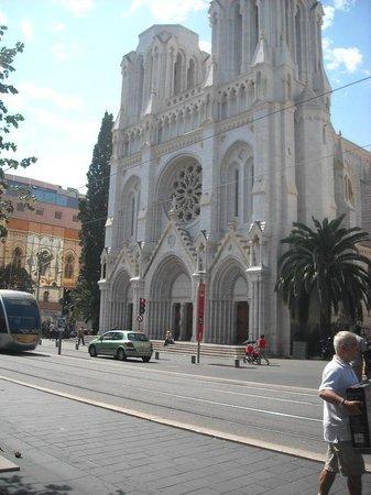 BEST WESTERN Hotel Riviera by HappyCulture: T1: Fermata Gare Thiers (Notre Dame de Nice)