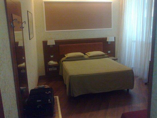 Hotel Madrid : zicht op de kamer