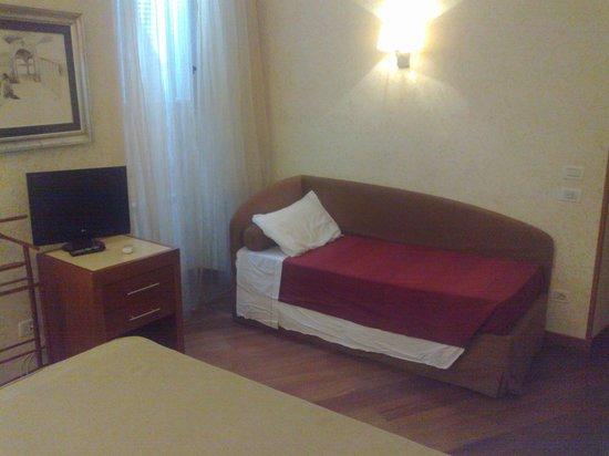 Hotel Madrid : typisch Romeinse ligzetel