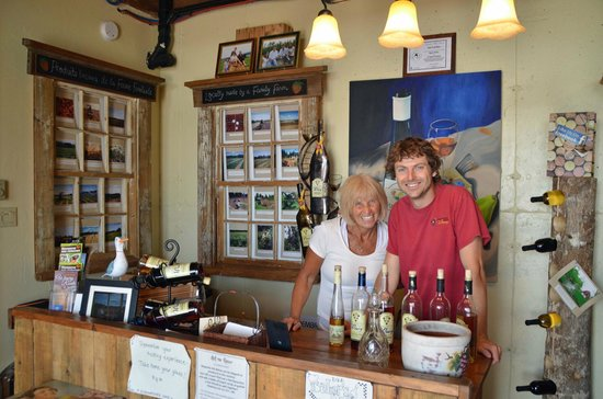 Magnetic Hill Winery: Magnetic Hill Tasting Room