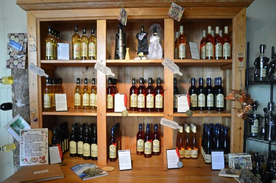 Magnetic Hill Winery: Magnetic Hill Wine Selection