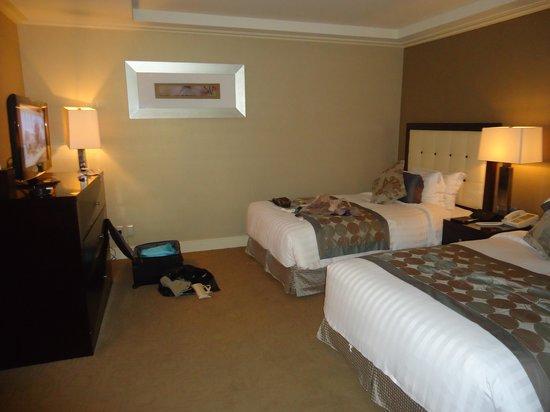 Jeju Sun Hotel & Casino: modern & clean room