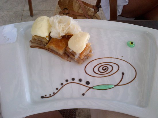 Vati Cafe Bistro : Dessert was as delicous as it looks