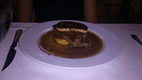 La Capella: solomillo de buey con foie al Oporto