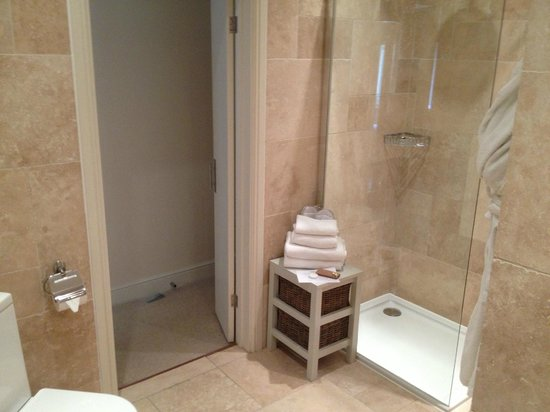 The Northey: Room 5 shower