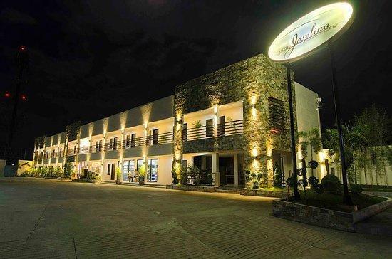 Hotel Joselina: FACADE