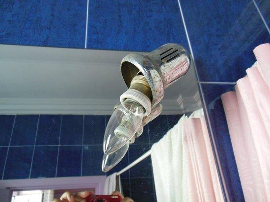 Hotel Transatlantique: Ampoule