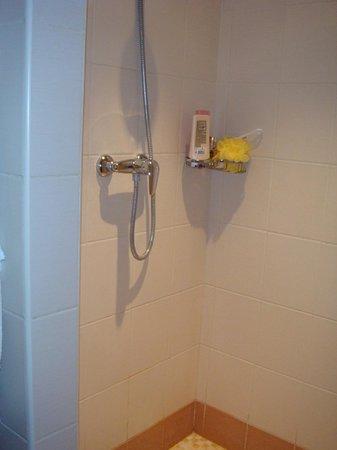 Jazz Hotel Bathroom
